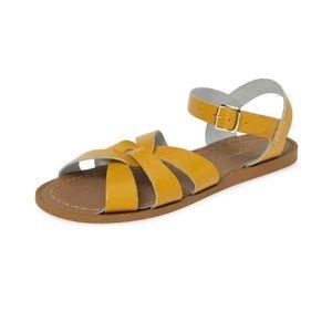 New Saltwater Sandals Mustard Girl's 5 Women's 7